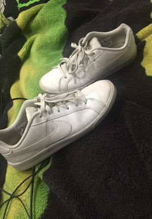 White nike court royale for Sale in Syracuse, UT