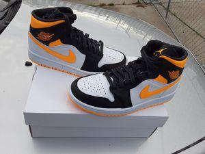 Womens Air Jordan 1 Mid Laser Orange Size: 7W for Sale in Detroit, MI