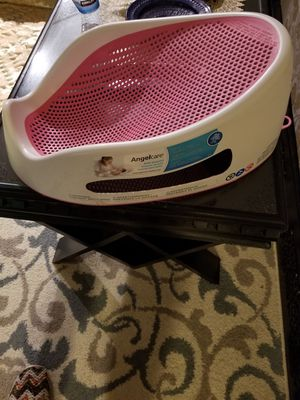Baby girl bath for Sale in Falls Church, VA