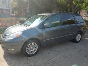 2010 Toyota seinna xle all wheel drive for Sale in Seattle, WA