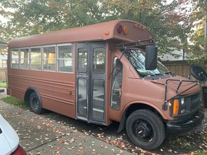 2002 chevy express g3 cutaway short bus for Sale in Marysville, WA
