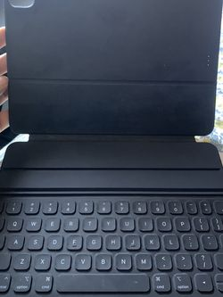 iPad Smart Keyboard 11inch 2020 Model Gen4 for Sale in Boston,  MA