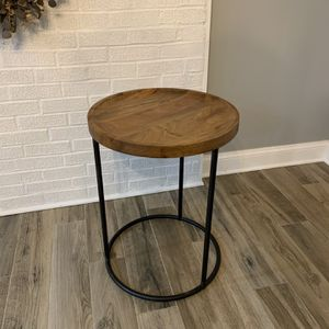 Round Side Table for Sale in Warrenton, VA