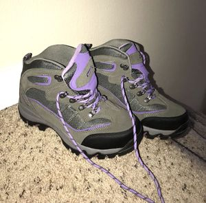 """NEW & """"STILL AVAILABLE"""" 7 1/2 Hi-Tec Women's Skamania Mid-Rise Waterproof Hiking Boot for Sale in Puyallup, WA"""