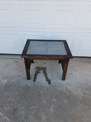 Ourdoor End table! for Sale in Fresno, CA