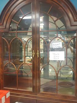 Round Top China Cabinet for Sale in Falls Church,  VA