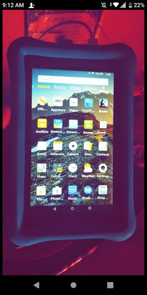 Amazon fire Kindle 7' tablet has kids protector . for Sale in North Las Vegas, NV