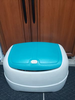 Little tikes toy box teal color for Sale in Glendale, AZ