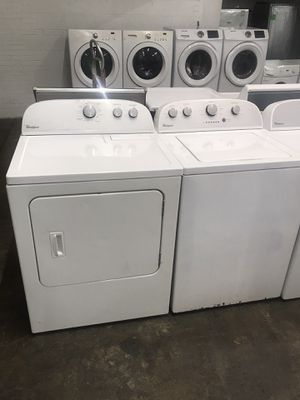 Whirlpool washer dryer set for Sale in Cleveland, OH