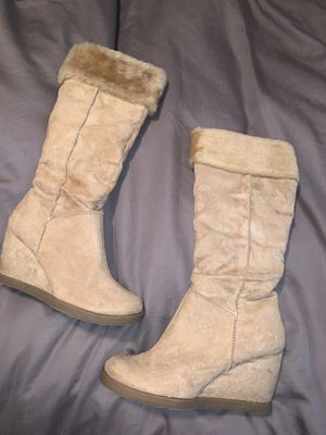 Like new camel colored wedge boots with fur for Sale in Torrance, CA