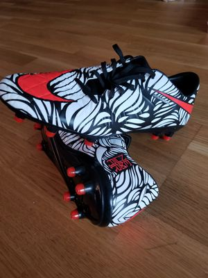 Nike hypervenom soccer cleats authentic size 9.5 for Sale in Falls Church, VA