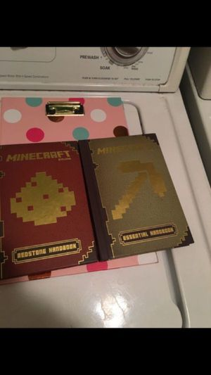 MINECRAFT BOOKS 📚 IN NEW CONDITION..BOTH FOR $10 dlls .. for Sale in Colton, CA