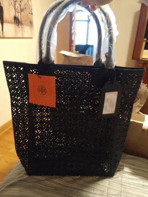 Tory Burch tote bag and make-up bag for Sale in Naperville, IL