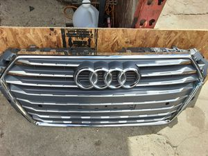 2018 2019 AUDI A4 Ultra Sport front bumper grille Chrome OEM used 8W0.853.651 BR for Sale in Wilmington, CA