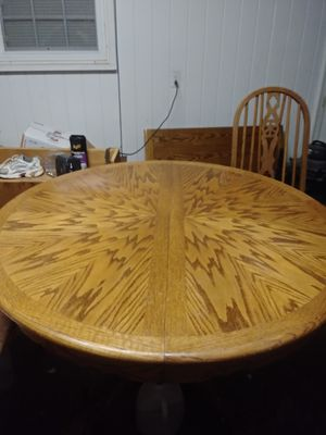 Solid Wood w/ LEAF & 4 CHAIRS for Sale in Spartanburg, SC