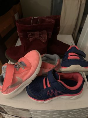 Size 5 girls shoes for Sale in Tualatin, OR