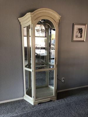 Curio cabinet 4 shelf for Sale in Queen Creek, AZ