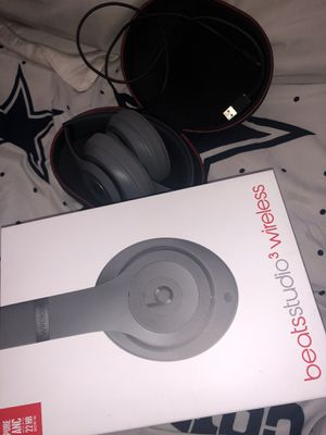 Studio beats 3 wireless just like brand new !! for Sale in Dallas, TX