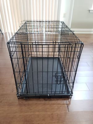 Mid Size dog crate for Sale in Leesburg, VA
