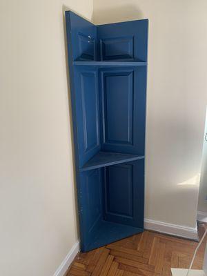 Door corner shelf for Sale in WILOUGHBY HLS, OH