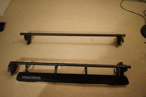 Yakima Qtower roof rack 4ft length for Sale in Mountain View, CA