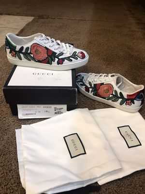 Gucci Snake sz 38 authentic everything tags box dust bags for Sale in Washington, DC