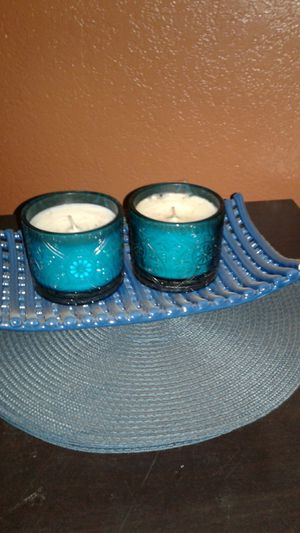 Decoration bundle ..2 candles 4 plate mats 1 plate $12 for all for Sale in Compton, CA