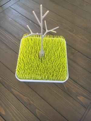 Drying grass with tree, dishwasher basket, drying bottle rack for Sale in Rancho Santa Margarita, CA