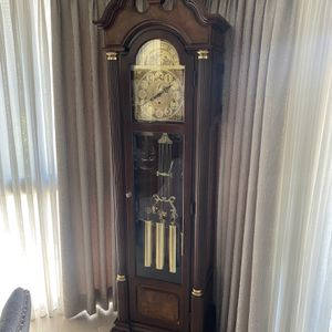 Ridgeway Grandfather Clock for Sale in Los Angeles, CA