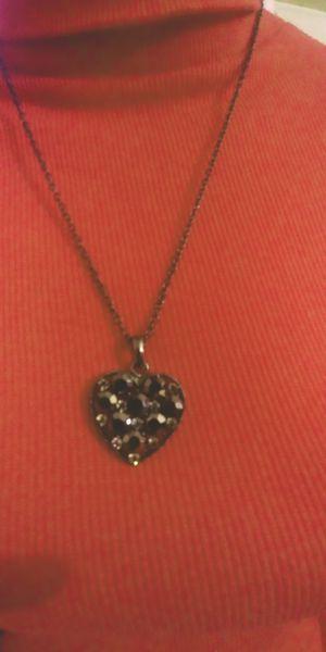 Beautiful black necklace for Sale in Baldwin Park, CA