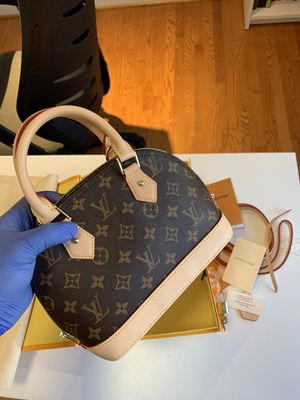 Louis Vuitton alma bb for Sale in Silver Spring, MD