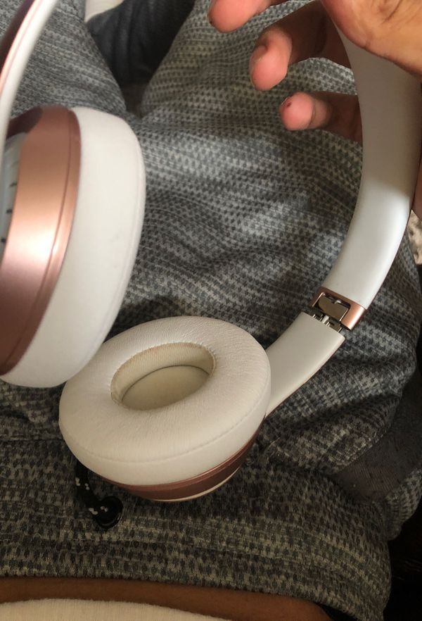 Solo 3 wireless beats by Dre just got them work perfectly