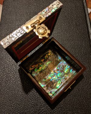 Handmade Mother of Pearl and Abalone Box for Sale for sale  Huntsville, AL