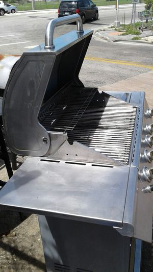 It's Sunday Your Home With Family. Let's Start Grilling With This Freshly Refreshed Stainless Steel NEXGRILL. BBQ the Sunset West! for Sale in Hallandale Beach, FL