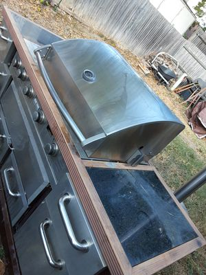 Mprofessional 5 burner grill for Sale in Fort Worth, TX