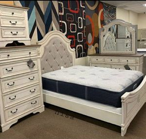 Special for Black Friday ‼ SALES SPECIAL] Realyn Chipped White Panel Bedroom Set 269 for Sale in Jessup, MD