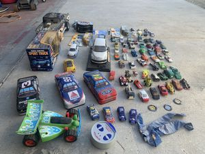 Hot wheels collectibles 80 pieces for Sale in Lake Elsinore, CA