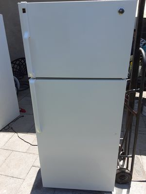 Refrigerator general electric for Sale in Downey, CA