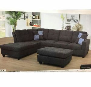 Charcoal Sectional with ottoman ( New ) for Sale in Chico, CA
