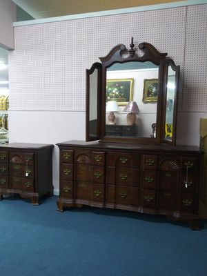 Wooden dresser with mirror for Sale in Summerdale, AL