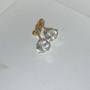 Gold Diamond Earrings for Sale in Los Angeles, CA