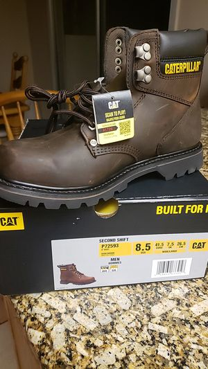 Cat Mens boots new in box never used for Sale in Fontana, CA