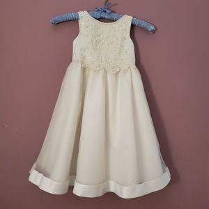 Flower Girl Dress for Sale in Blue Springs, MO