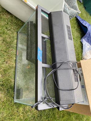 fish tank set for Sale in Tacoma, WA