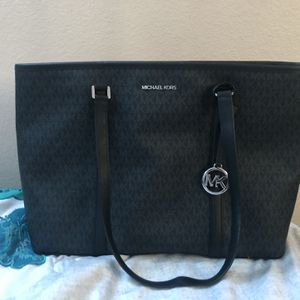 Black Michael Kors Designer Purse for Sale in Round Rock, TX