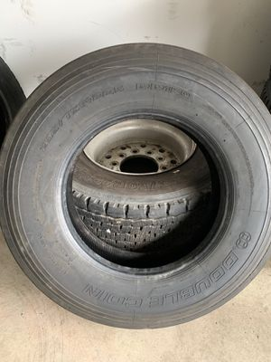 Semi Trailer Tire 1. Double Coin RR150 USED for Sale in Addison, IL