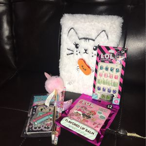 (Girl's Bundle) Perfect For Playing for Sale in Stamford, CT