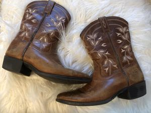 Ariat Girls Boots size 2 for Sale in Houston, TX