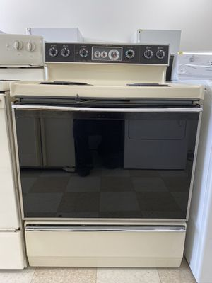 GE ELECTRIC RANGE for Sale in Salisbury, MD
