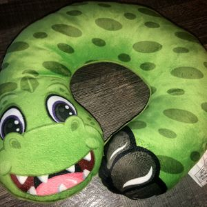 Gently Used & clean Children's Northpoint Kids Snake Traveling Neck Pillow for Sale in Pinellas Park, FL